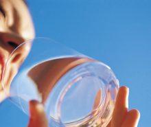 Manfaat Air Putih Bagi Tubuh Kita