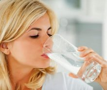 Trik Minum Air Putih Paling Efektif