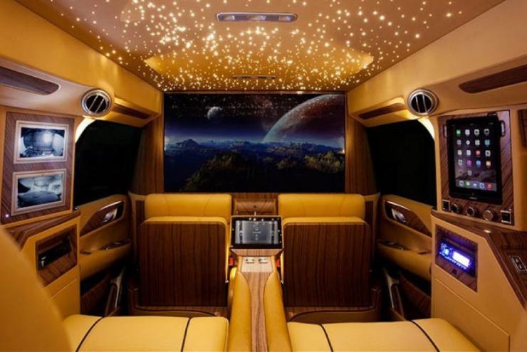Desain Interior Mobil